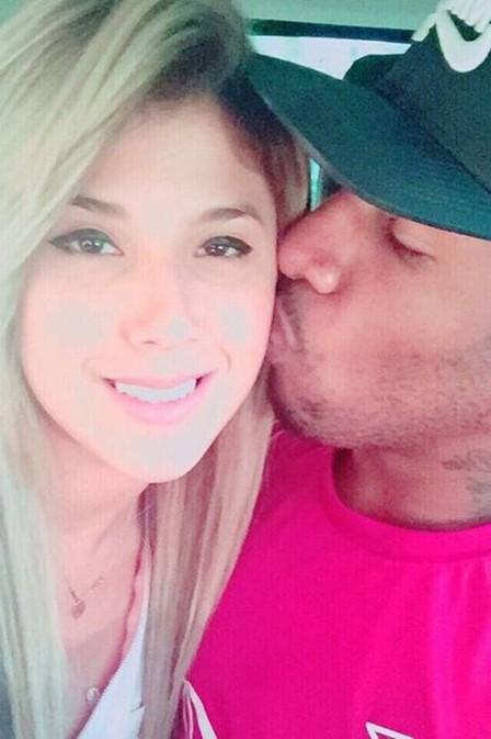 Jogador peruano e sua namorada (Crédito: Reprodução)