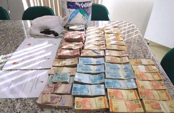 Polícia rercuperou R$ 170 mil dos R$ 200 roubados (Crédito: Divulgação)