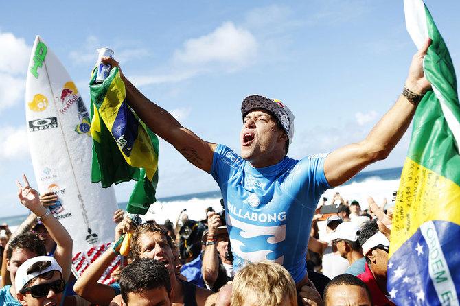 Mineirinho é o mais novo campeão mundial de surf