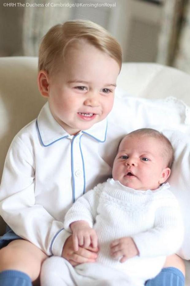Prince George e Princess Charlotte (Crédito: Reprodução/Instagram)