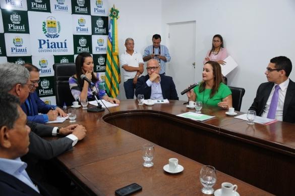 Programa oferecerá linha de crédito habitacional para servidores públicos (Crédito: Francisco Leal)