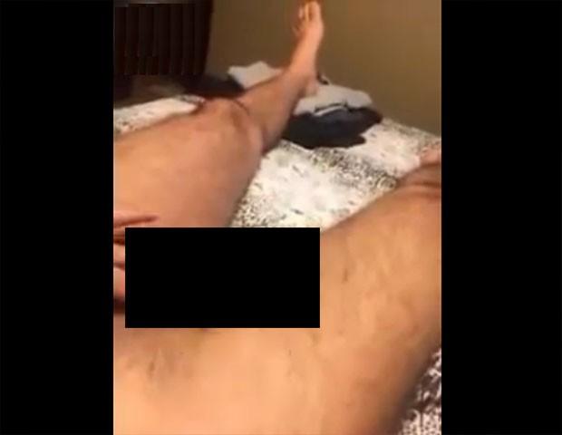 Ex-BBB Marcelo em suposto vídeo íntimo (Crédito: Reprodução)