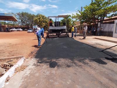 Prefeitura de Batalha inicia asfaltamento da Rua Cap. Amaro Machado