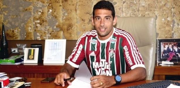 Meia Diego Souza agora é do Flu