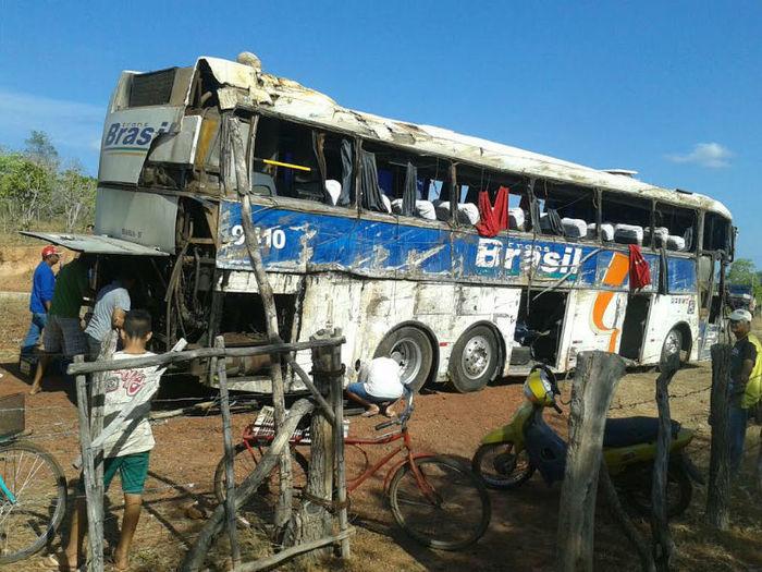 Acidente com ônibus próximo a Batalha