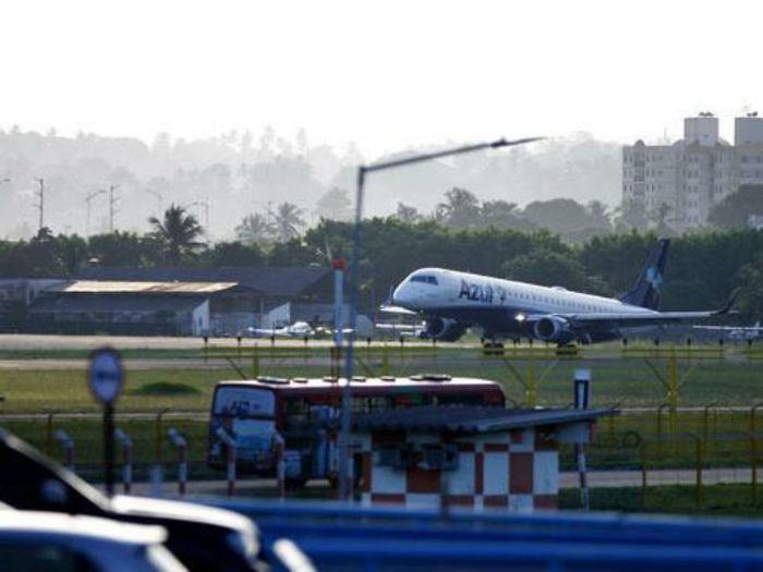 Governo da Bahia reduz ICMS sobre combustível para atrair voos  (Crédito: Reprodução/ Uol)