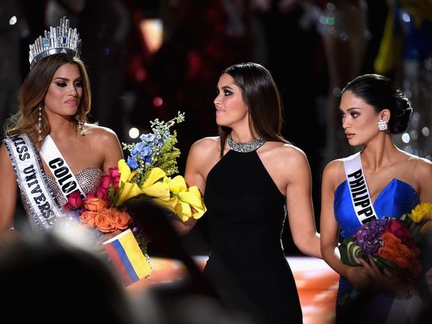 Ariadna Gutiérrez, Paulina Veja e Pia Alonzo Wurtzbach  (Crédito: AFP )