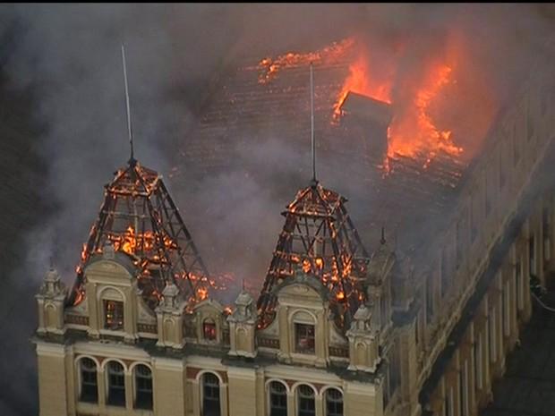 Incêndio no Museu da Língua Portuguesa (Crédito: Reprodução)