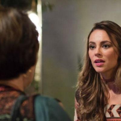 """Melissa discute com Zilda: """"Velha fofoqueira, enxerida! Alcoviteira"""
