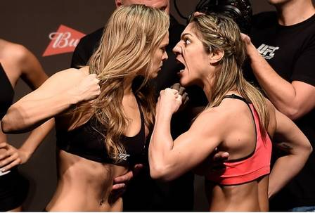 Ronda Rousey x Bethe Correia (01 de agosto de 2015) (Crédito: REPRODUÇÃO / UFC)