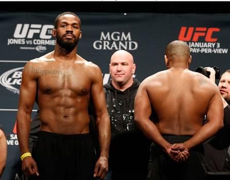 Jon Jones x Daniel Cormier (3 de janeiro de 2015) (Crédito: REPRODUÇÃO / UFC)