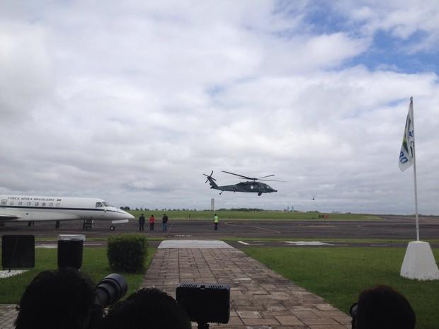 Presidente Dilma chega no local (Crédito: Reprodução)
