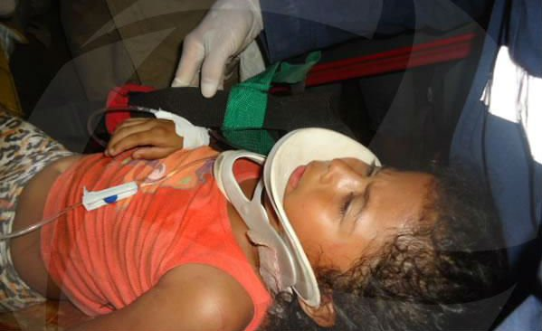 Menina foi resgatada das ferragens (Crédito: Florianonews)