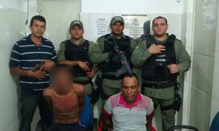 Policiais prenderam dois suspeito de assaltar caminhonete (Crédito: portalsaojoanense)