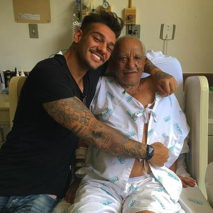 Lucas Lucco e o avô (Crédito: Reprodução/Instagram)
