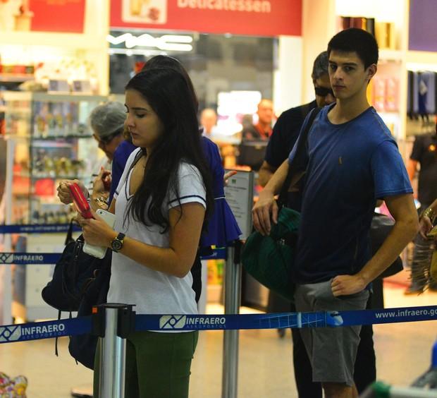 Fátima Bernardes e Família em viagem (Crédito: William Oda / AgNews)