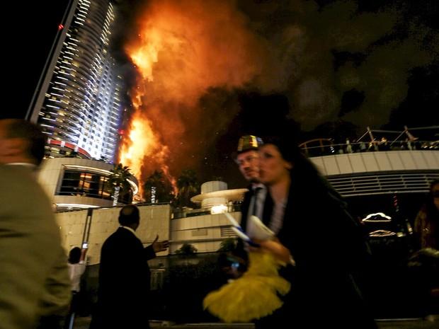 Pessoas ficaram assustadas com o fogo em hotel