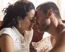 Domingas encontra amor e sente prazer sexual pela primeira vez