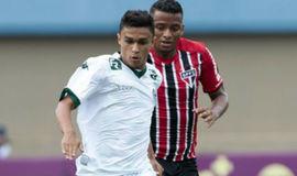 São Paulo vence nos acréscimos, vai à Libertadores e rebaixa Goiás