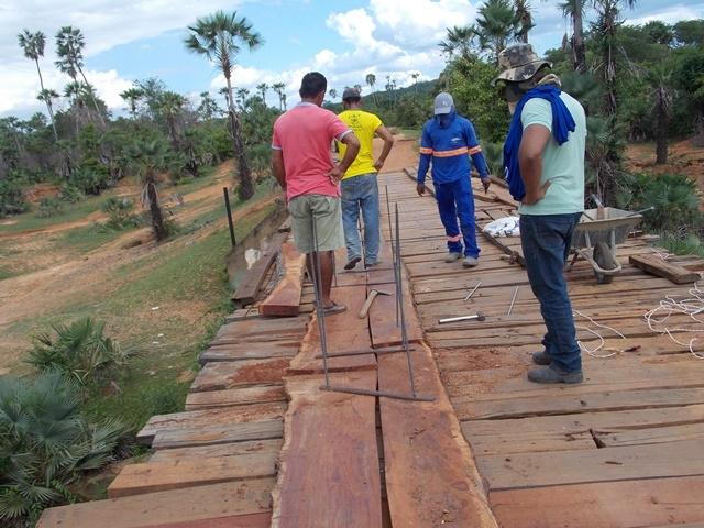 Prefeitura inicia recuperação de pontes sobre o Rio Piauí - Imagem 5