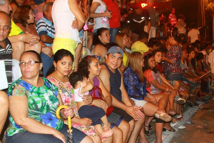 Desfile das seis  escolas de samba empolga público na Avenida Marechal Castelo Branco - Imagem 2