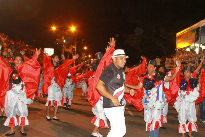 Desfile das seis  escolas de samba empolga público na Avenida Marechal Castelo Branco - Imagem 9