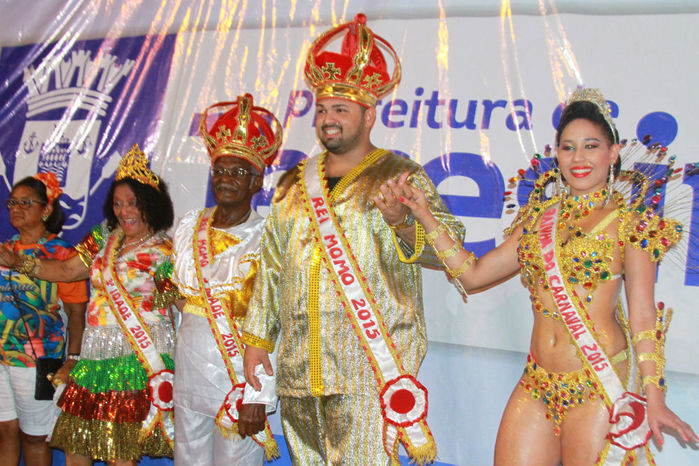 Desfile das seis  escolas de samba empolga público na Avenida Marechal Castelo Branco - Imagem 3