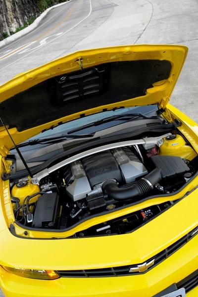 Chevrolet Camaro Sunrise: Versão conversível e esportiva com sofisticação e potência - Imagem 7