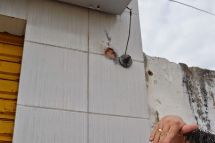 Dupla armada rouba comércio e tenta assaltar loteria em Vila Nova do Piauí - Imagem 2