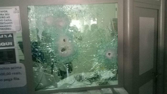 Dupla armada rouba comércio e tenta assaltar loteria em Vila Nova do Piauí - Imagem 5