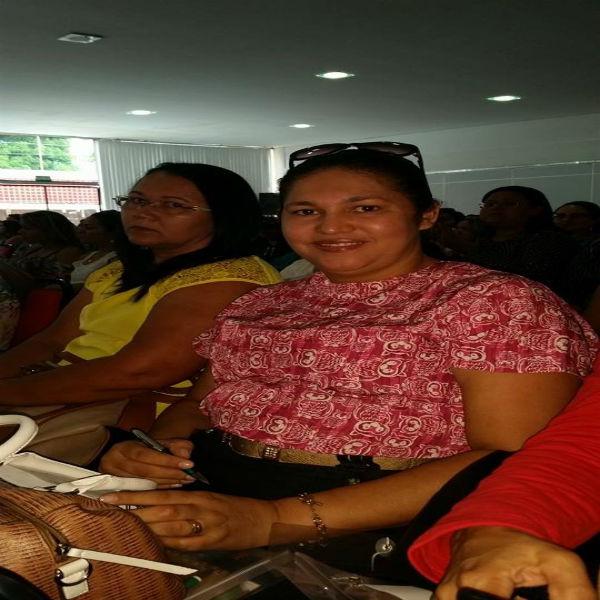 Primeira-dama Samara Lima participa de seminário do Cosems em Teresina