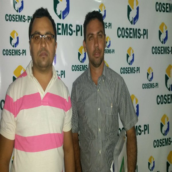 Secretário de Saúde e Prefeito participam de seminário promovido pelo Cosems