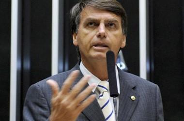 'Ele não era de falar besteira', diz mãe de Jair Bolsonaro - Imagem 4