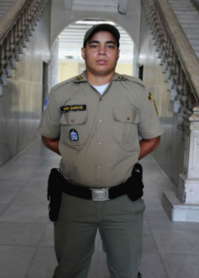 """""""Tive que me passar por mulher para entrar na polícia"""", relata transexual"""