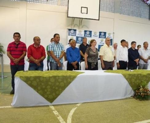 Prefeito R. Ferreira  Inaugura obras na zona rural e na sede do município com a presença do Governador W. Dias