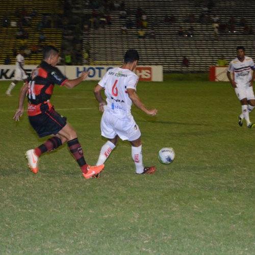 River vence Flamengo do Piauí por 3 a 0 no Albertão  e é líder do Piauiense