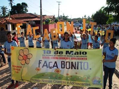 Caminhada sensibiliza população sobre o Dia do Combate à Exploração Sexual de Crianças e Adolescentes em Barra Grande