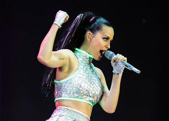Katy Perry vai fazer shows no Brasil