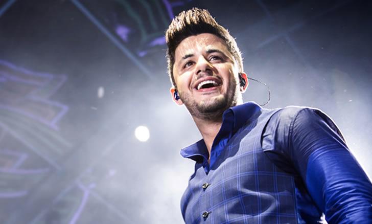 Famosos lamentam morte do cantor Cristiano Araújo nas redes sociais