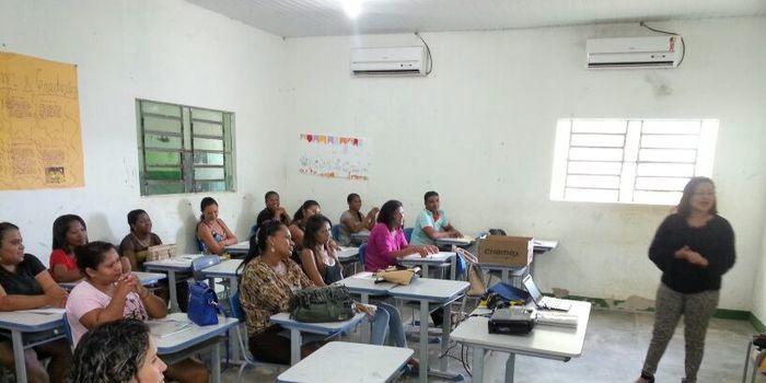 ( SME ) Capacitação do Brasil alfabetizado com professores e alfabetizadores de Amarante