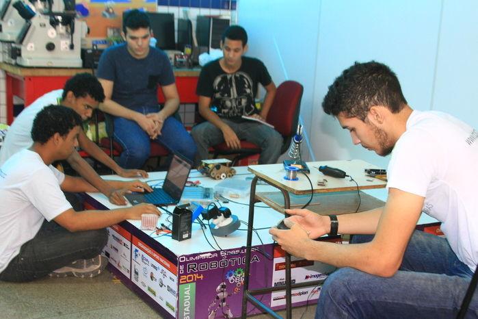 Estudantes elaboram ferramentas para o uso do cotidiano