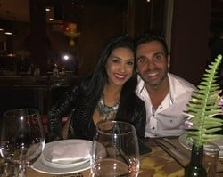 A fila anda: Amanda posta foto em jantar romântico com o namorado