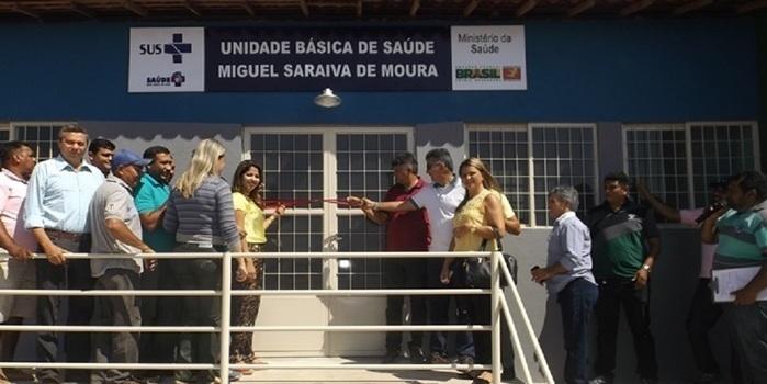 """Prefeito Zé Henrique inaugura uma UBS, praça e abastecimento d""""água na região do outro lado"""