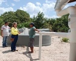 Prefeita Vânia Ribeiro comemora satisfação de moradores com instalação das cisternas