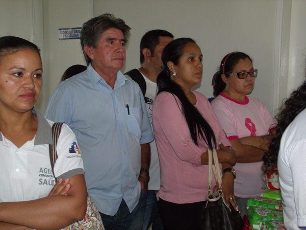 Secretarias Municipais de Saúde e Assistência Social promovem palestras e entrega de kits de enxoval para gestantes de Cajueiro da Praia - Imagem 5