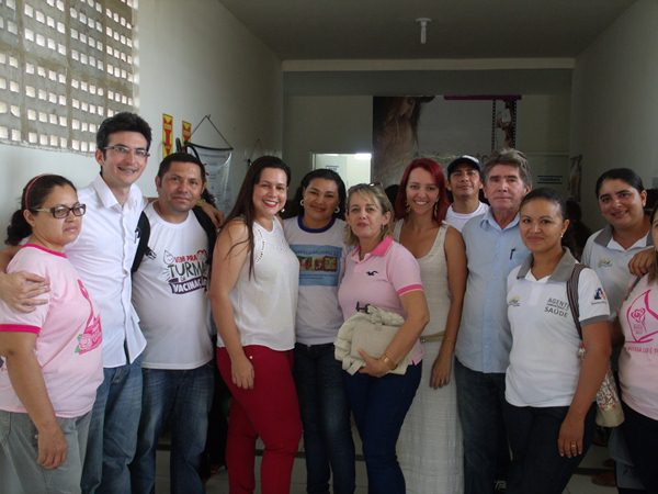 Secretarias Municipais de Saúde e Assistência Social promovem palestras e entrega de kits de enxoval para gestantes de Cajueiro da Praia - Imagem 12
