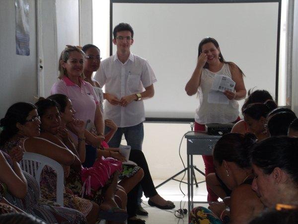 Secretarias Municipais de Saúde e Assistência Social promovem palestras e entrega de kits de enxoval para gestantes de Cajueiro da Praia - Imagem 8