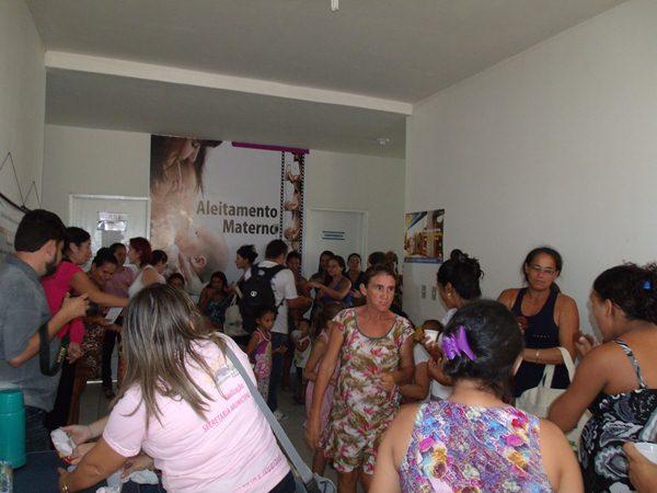 Secretarias Municipais de Saúde e Assistência Social promovem palestras e entrega de kits de enxoval para gestantes de Cajueiro da Praia - Imagem 11