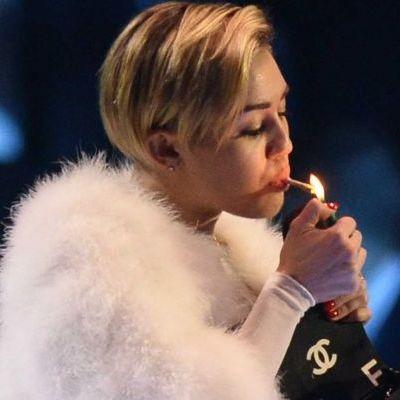 Miley Cyrus é eleita a pior influência para adolescente