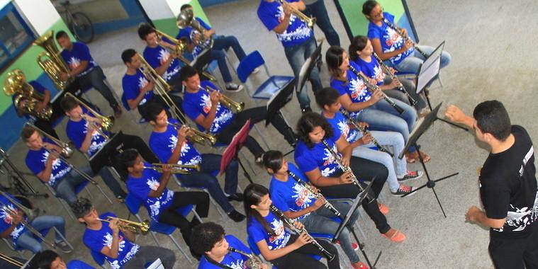 Projeto Bandas-Escolas promove inclusão através da música em THE